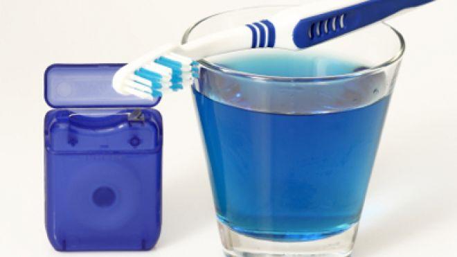 Mouthwash: Pros & Cons
