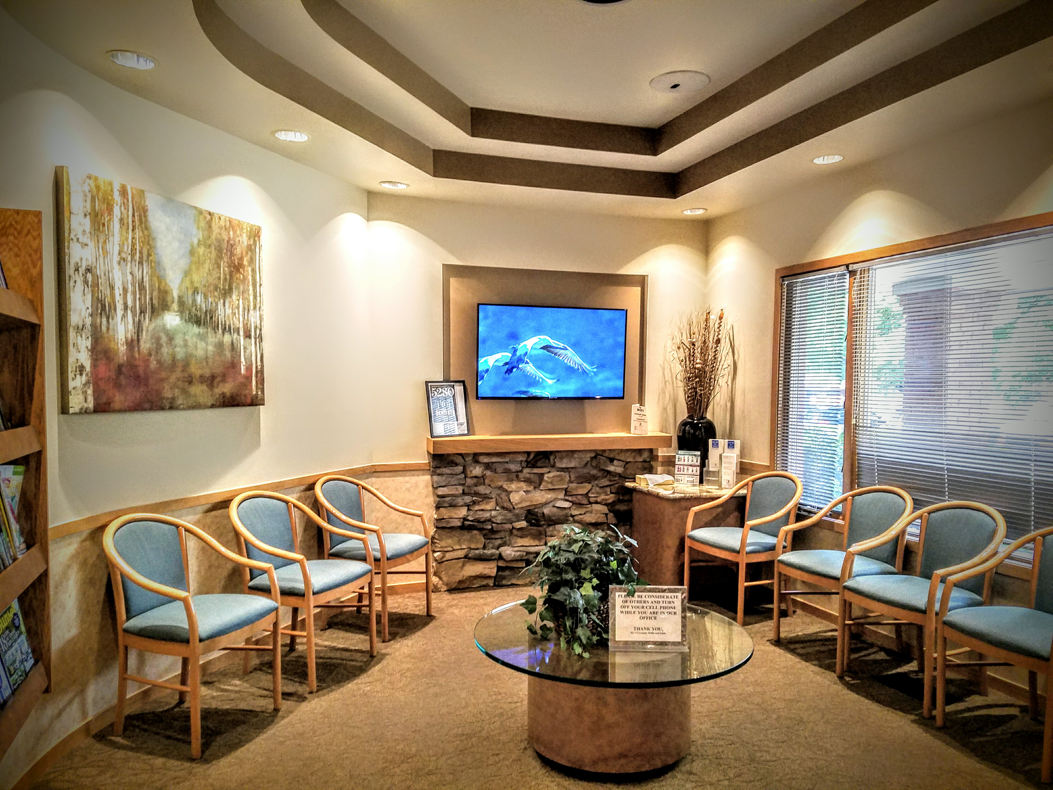 Periodontal Associates - The Dental Implant Team's waiting room in Aurora serving the Denver Metro Area